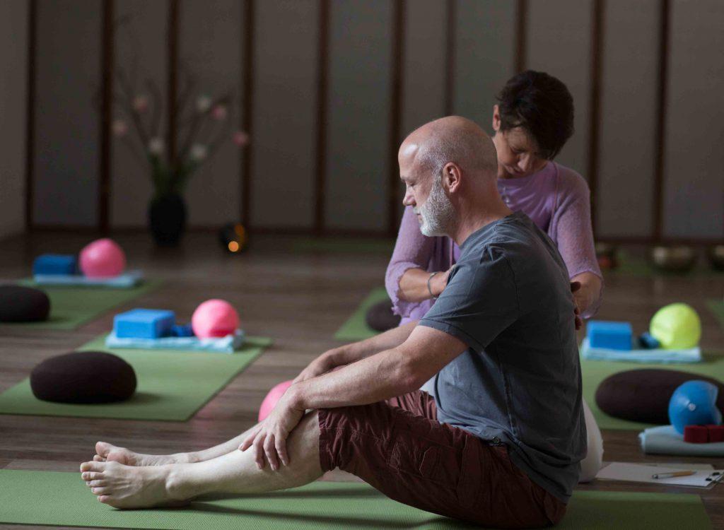 Yogatherapie mit Ellen Kaettniß