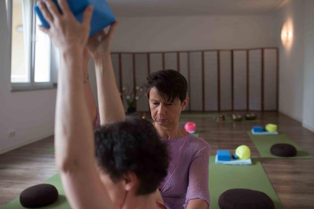 Yogatherapie mit Therapeutin Ellen Kaettniß